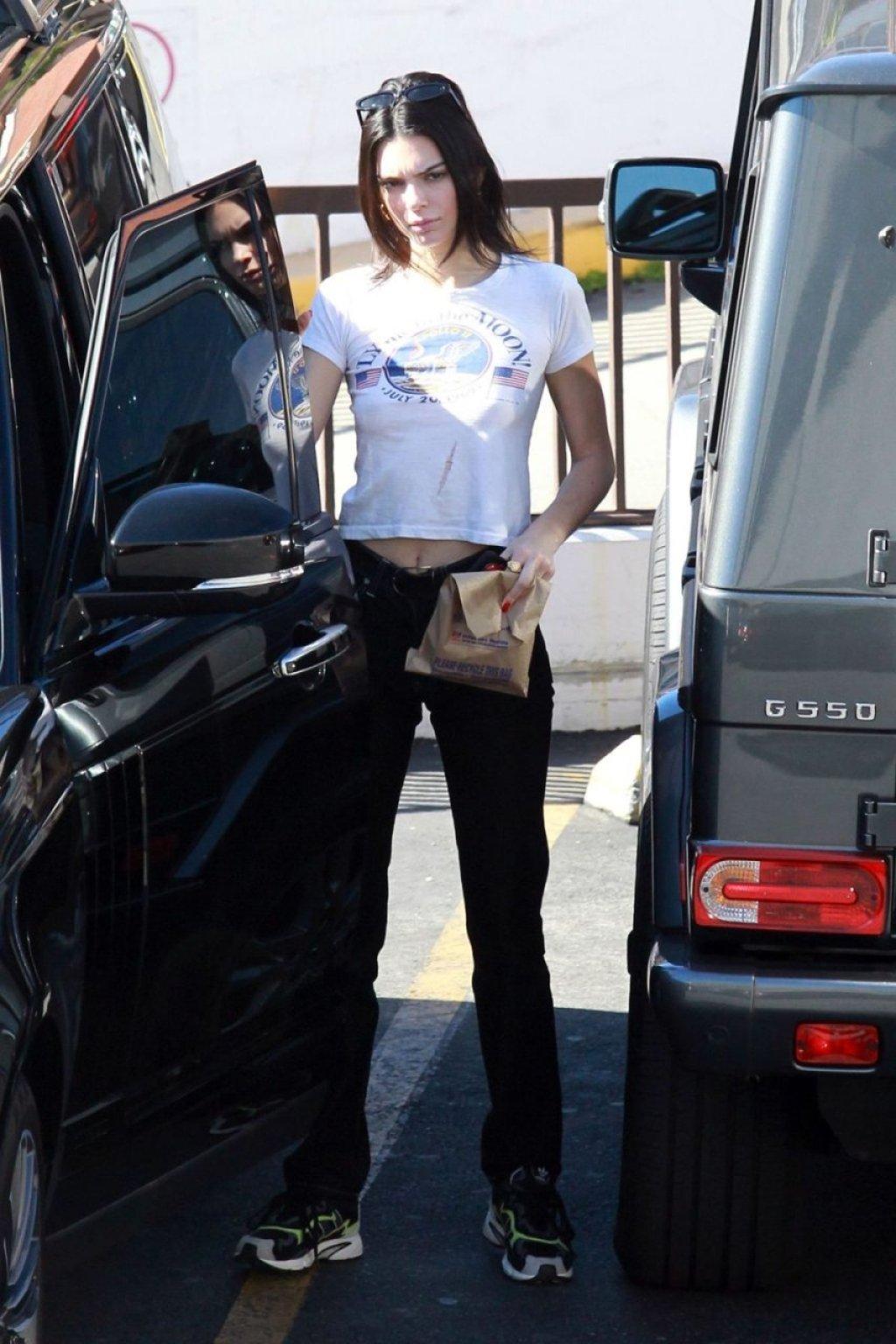 Kendall Jenner Braless (18 Photos)