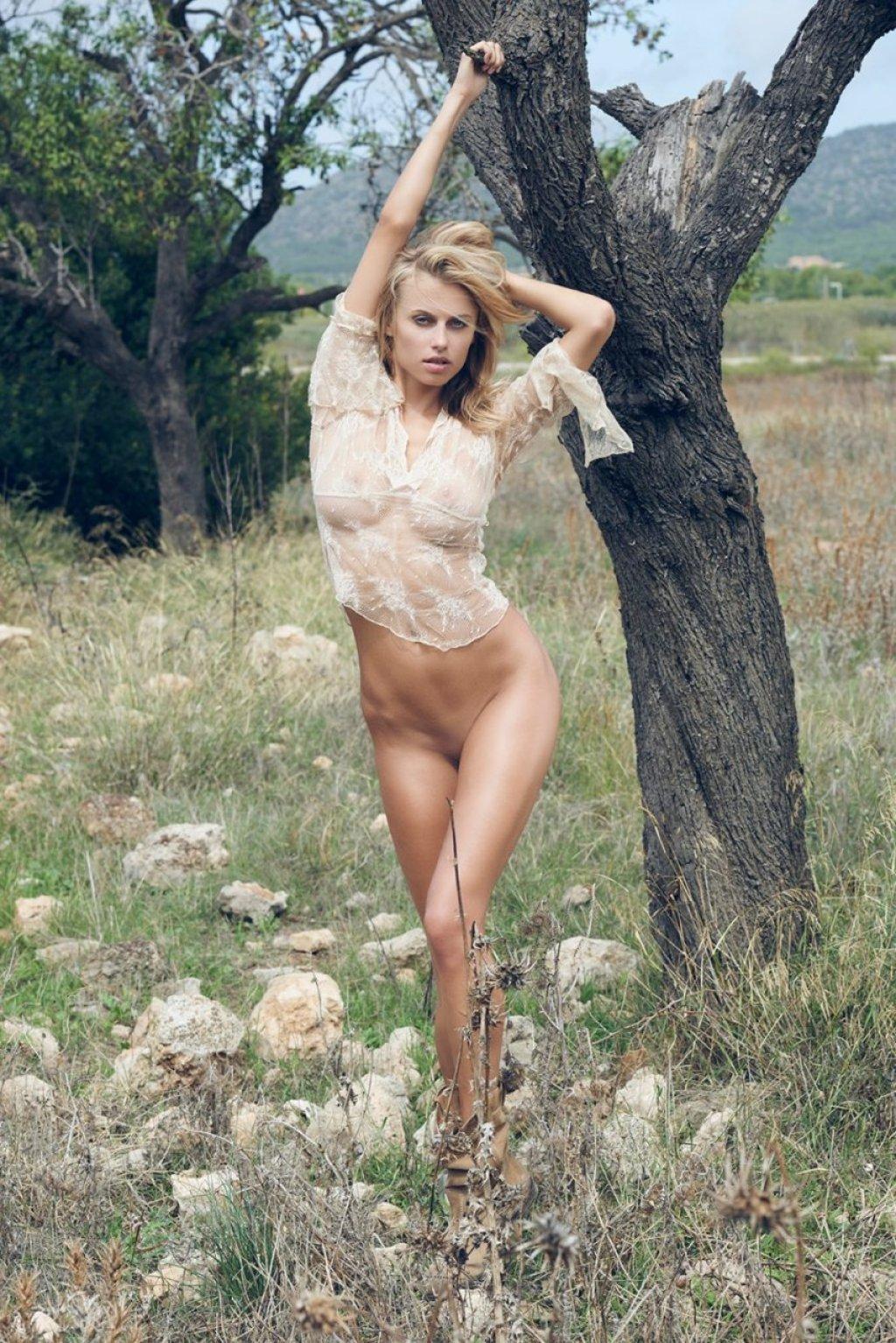 Olga De Mar Nude (7 Photos)