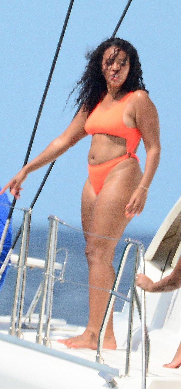 Angela Simmons Sexy (134 Photos + Videos)