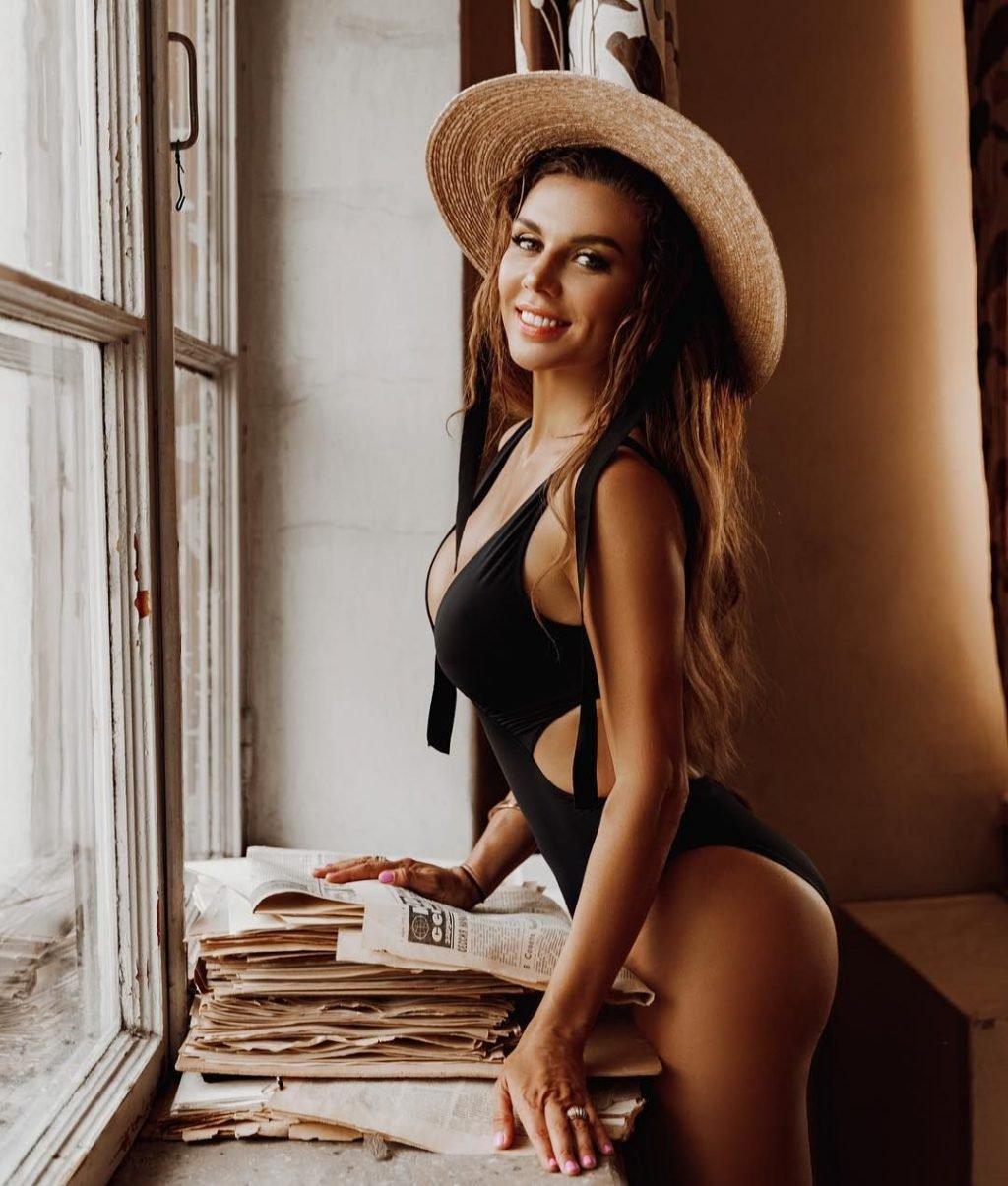Anna Sedokova Sexy (182 Photos)