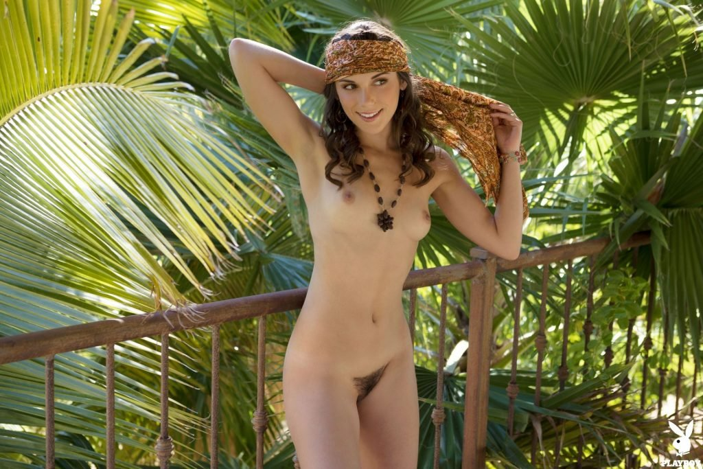 Elena Generi Nude (42 Photos + Video)