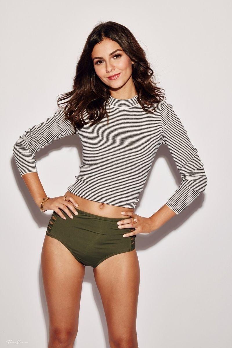 Victoria Justice Sexy (141 Photos)