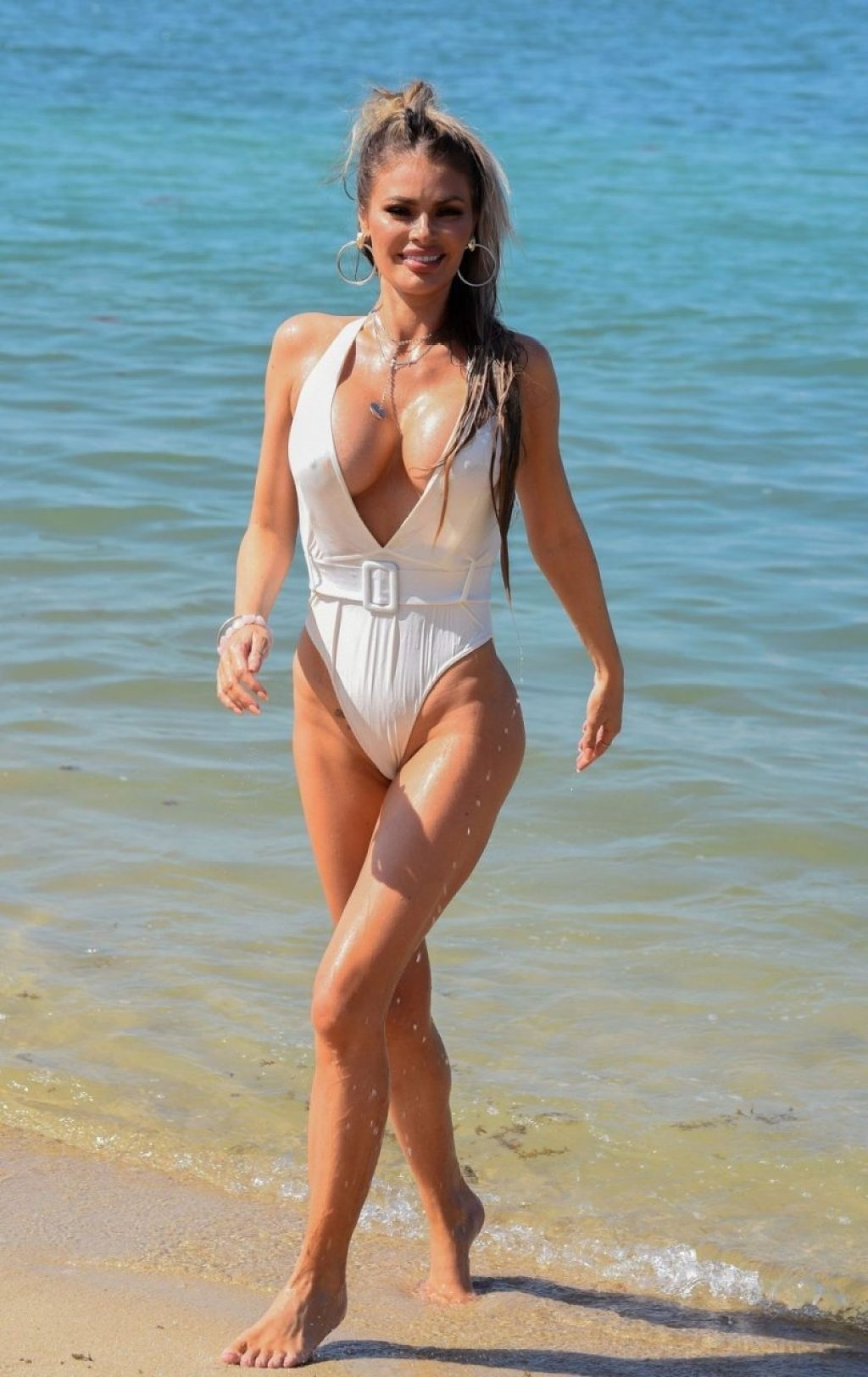 Chloe Sims Sexy (39 Photos)