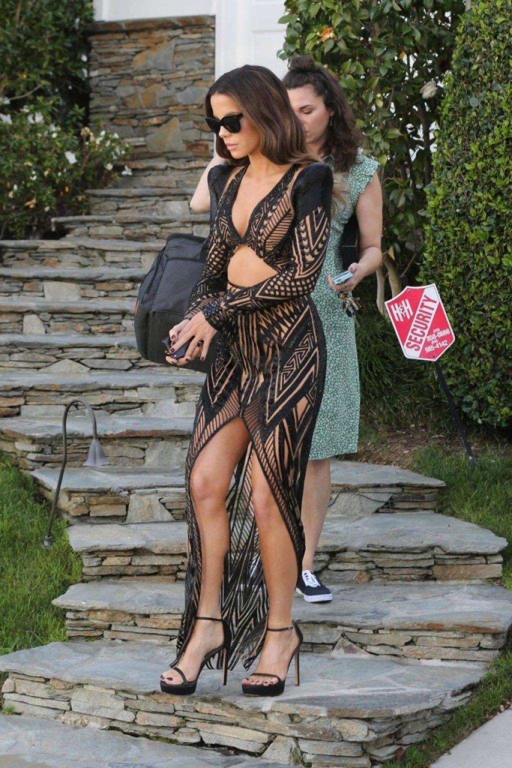 Kate Beckinsale Sexy (24 Photos)