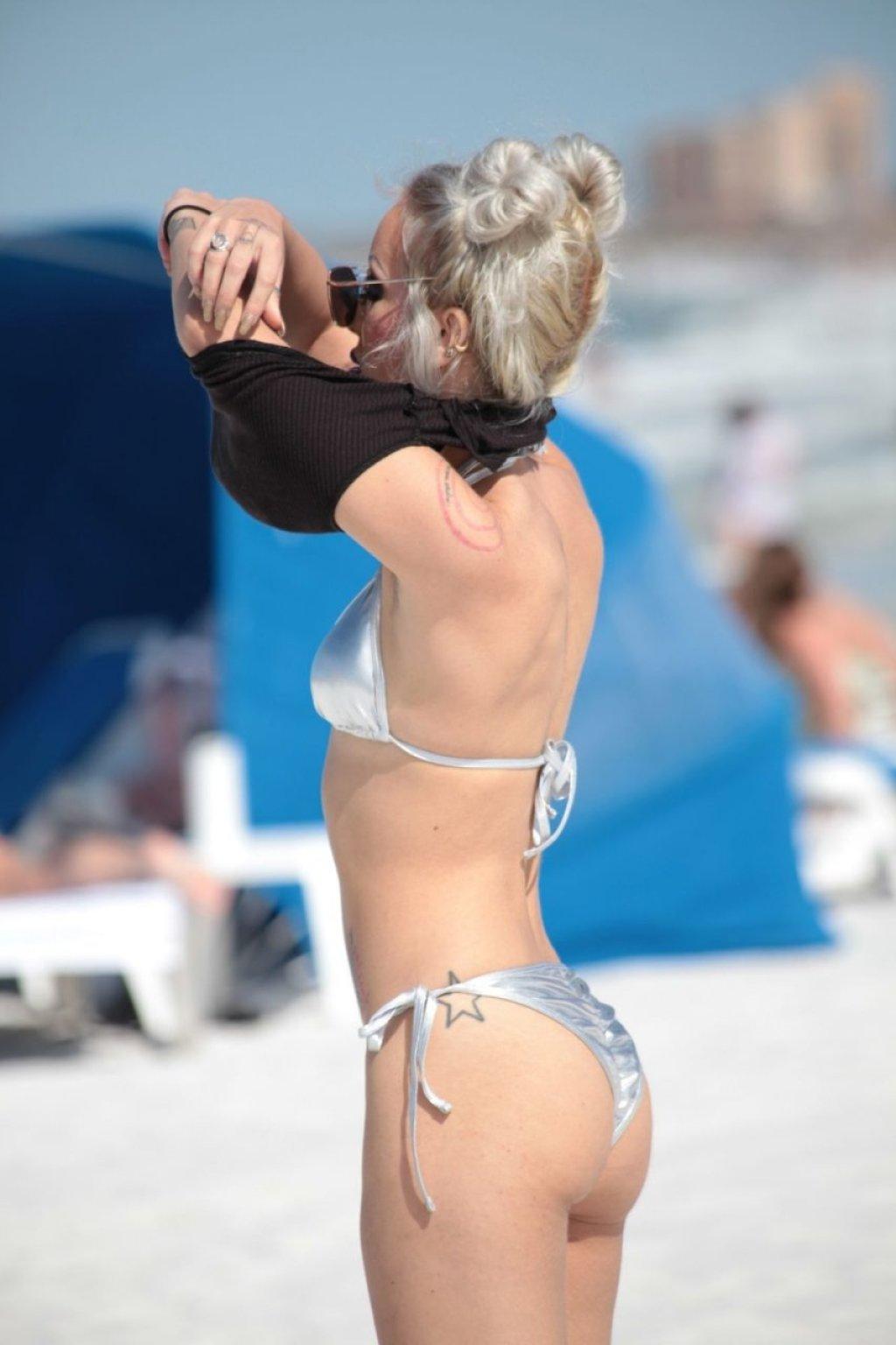Lyra Rae Sexy (45 Photos)