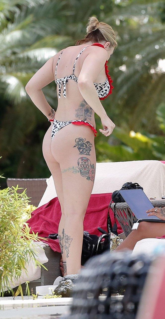 Olivia Buckland Sexy (73 Photos)