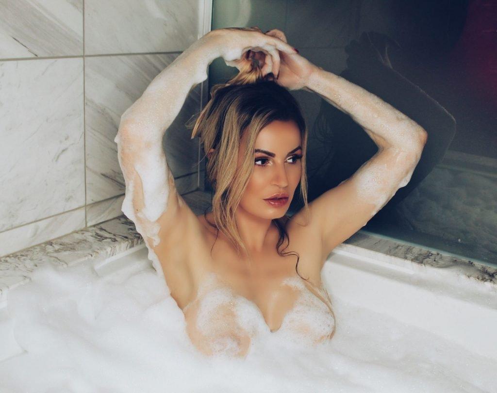 Ana Braga Nude (14 Photos)