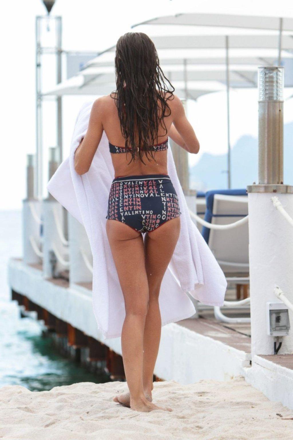 Izabel Goulart Sexy (277 New Photos)