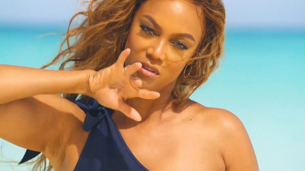 Tyra Banks Sexy (64 Photos + Video)