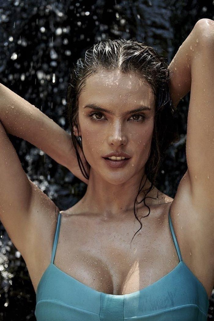 Alessandra Ambrosio Sexy (16 Hot Photos)