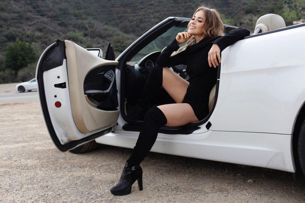 Ellen Alexander Sexy (34 Photos)