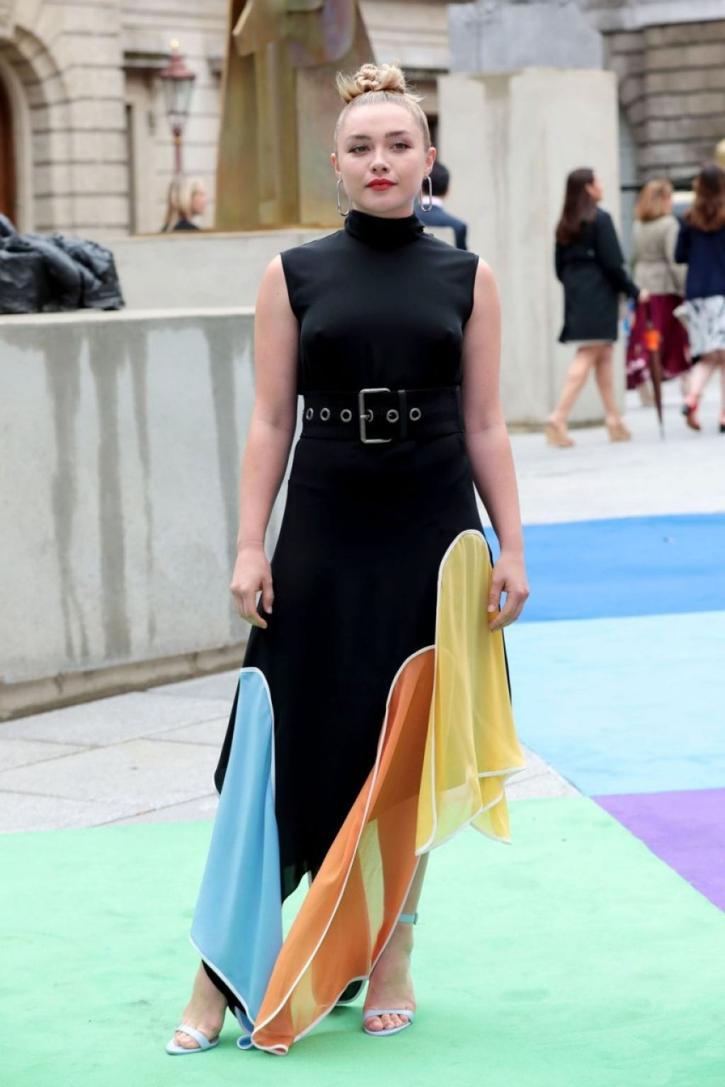 Florence Pugh Braless (93 Photos)