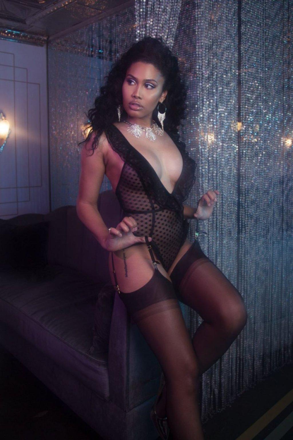 Leyna Bloom Sexy (5 Photos)