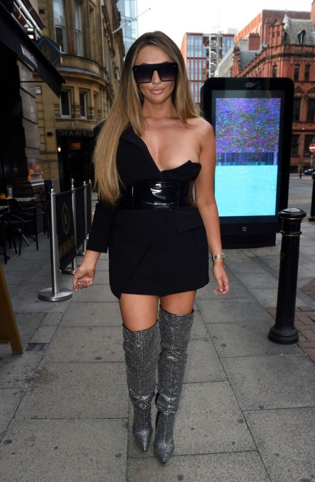 Charlotte Dawson Sexy (31 Photos)