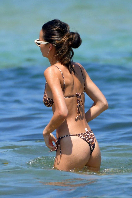 Chloe Bartoli Sexy (21 Photos)