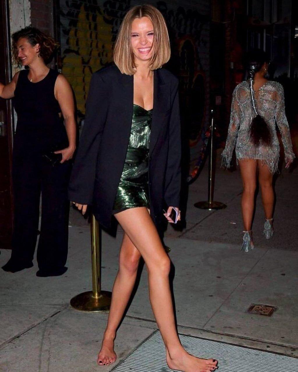 Josephine Skriver Sexy (77 Photos)