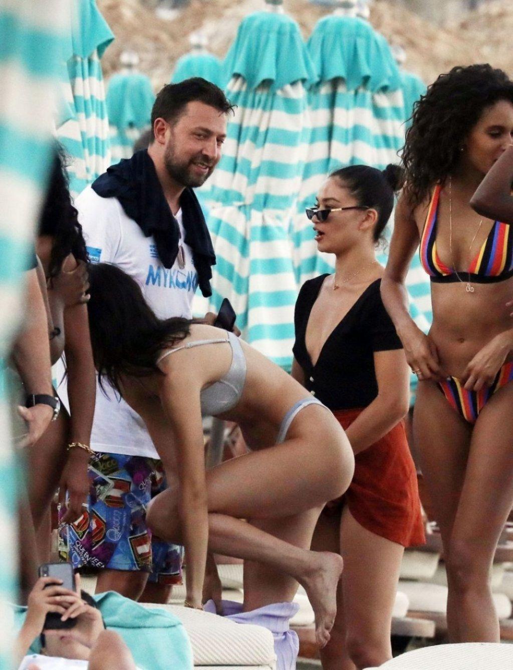 Kendall Jenner Sexy (82 Photos)