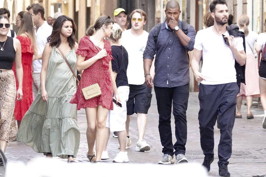 Selena Gomez Braless (47 Photos)
