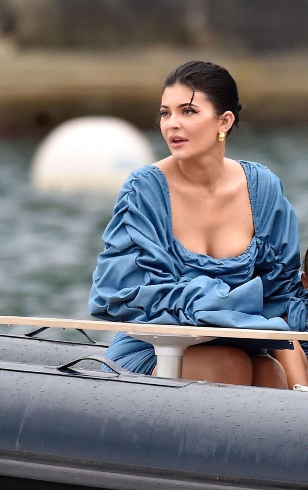 Kylie Jenner Sexy (25 Hot Photos)