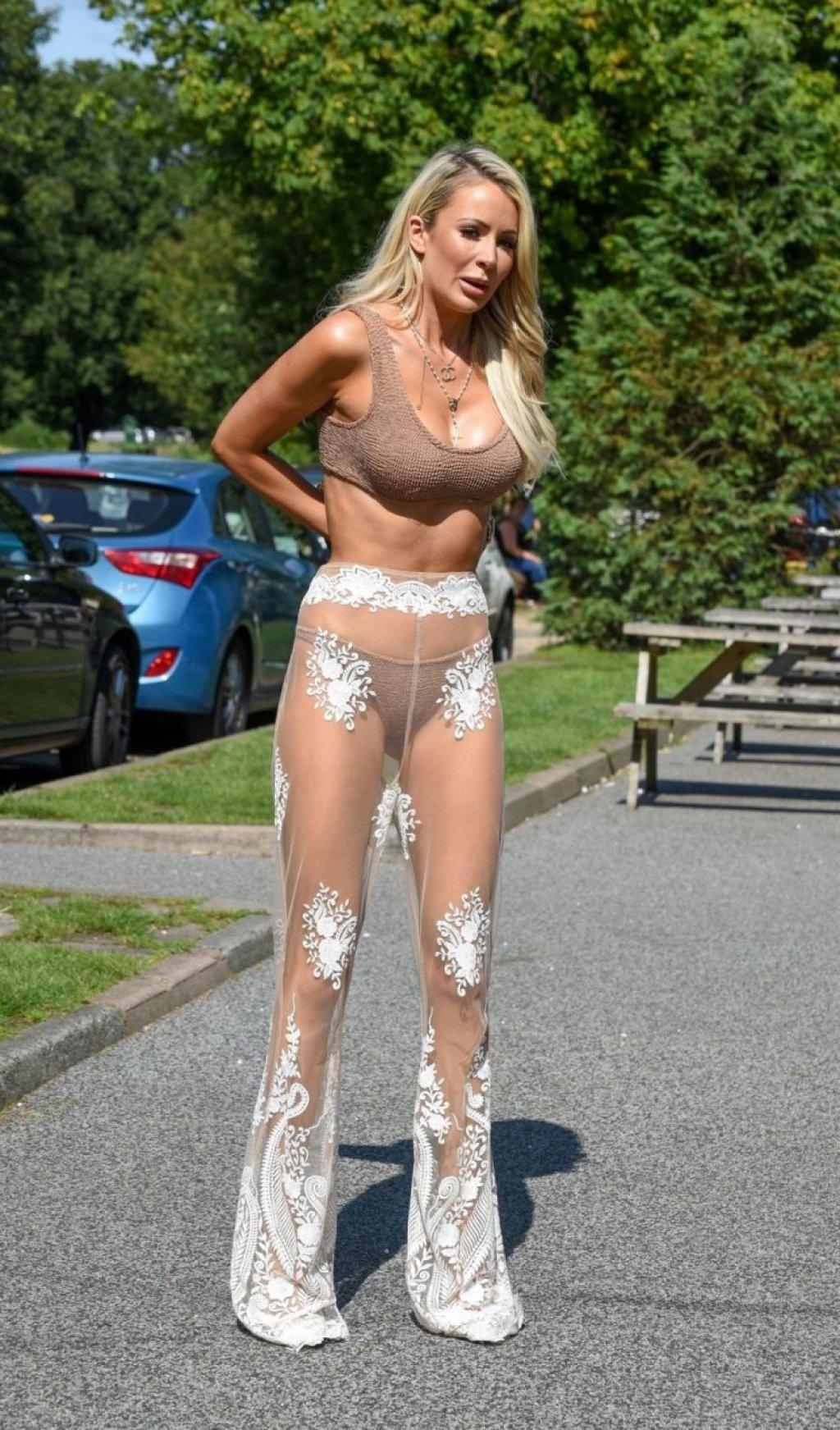 Olivia Attwood Sexy (29 Photos)