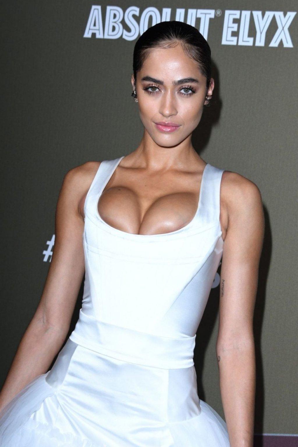 Alanna Arrington Sexy (4 Photos)