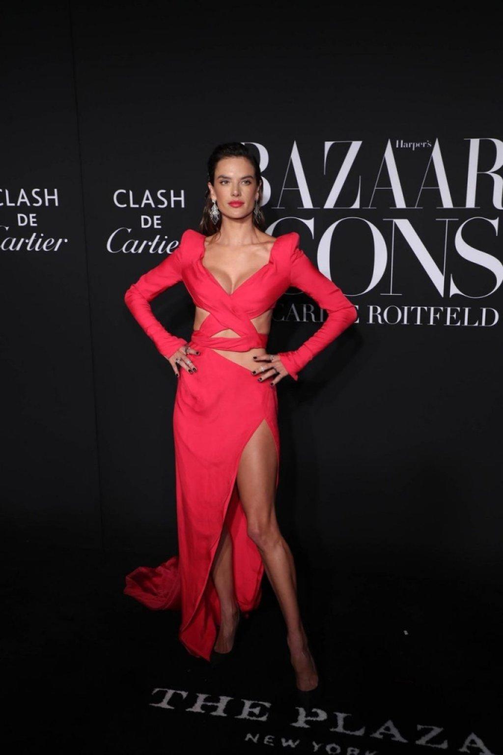 Alessandra Ambrosio Sexy (21 Hot Photos)