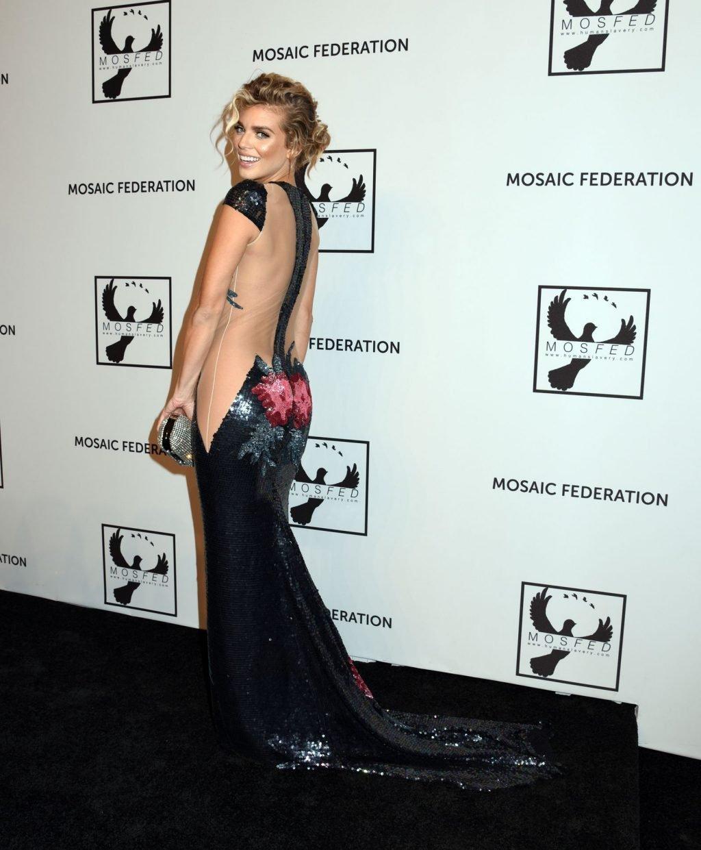 AnnaLynne McCord Sexy (28 Photos)