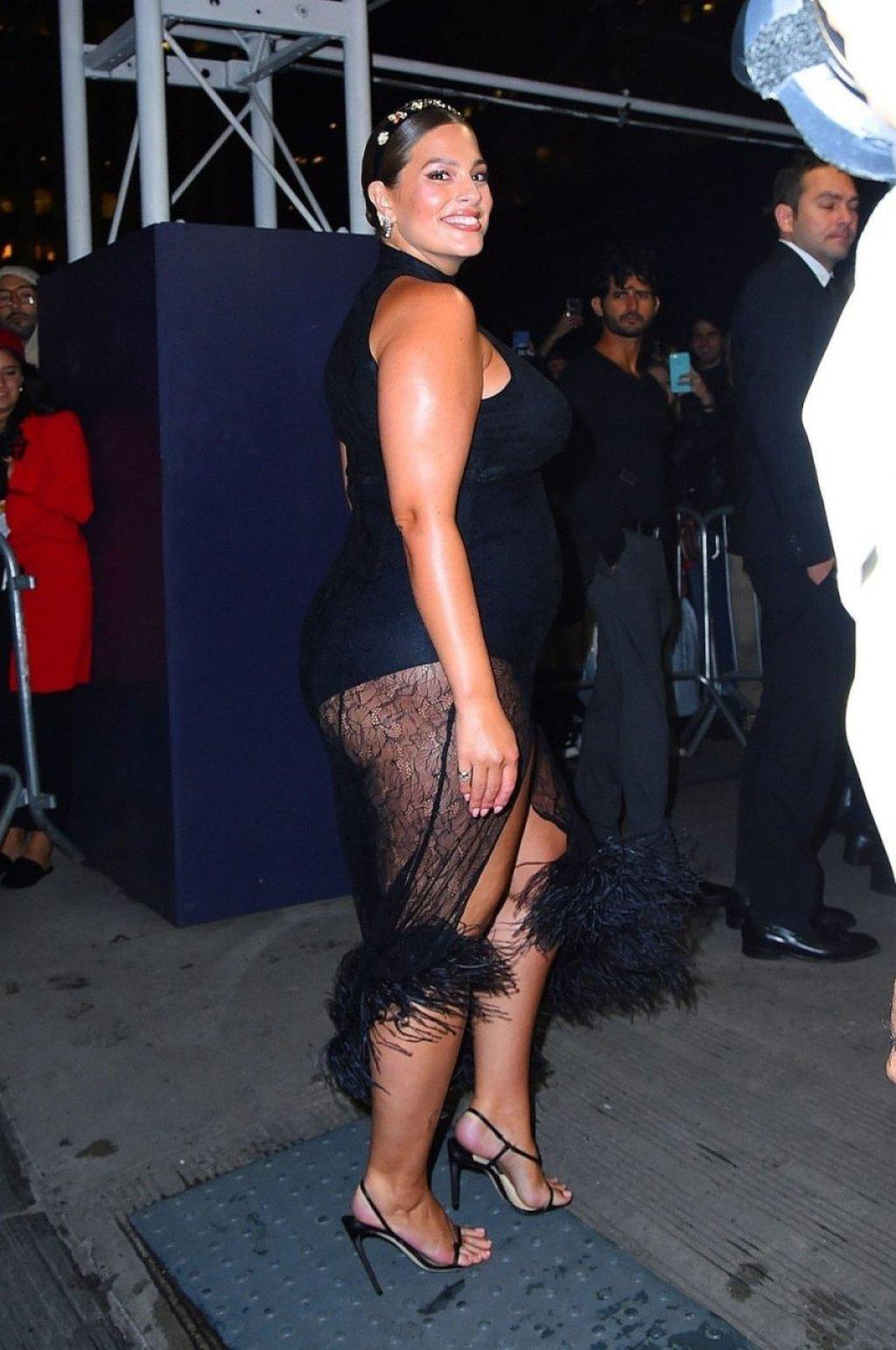 Ashley Graham Sexy (16 Hot Photos)