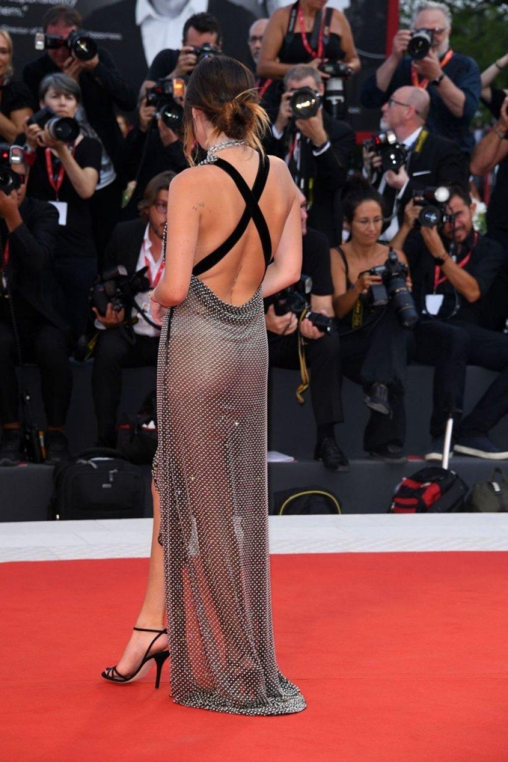 Bella Thorne See Through (85 Photos)