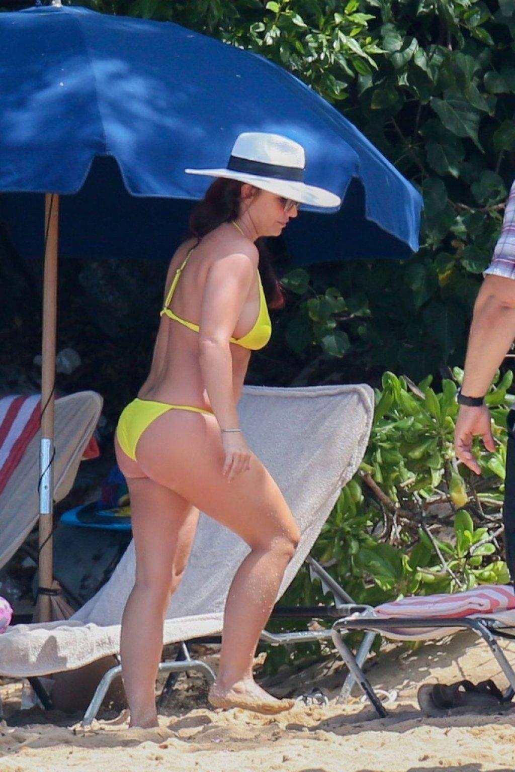 Britney Spears Sexy (48 Photos)