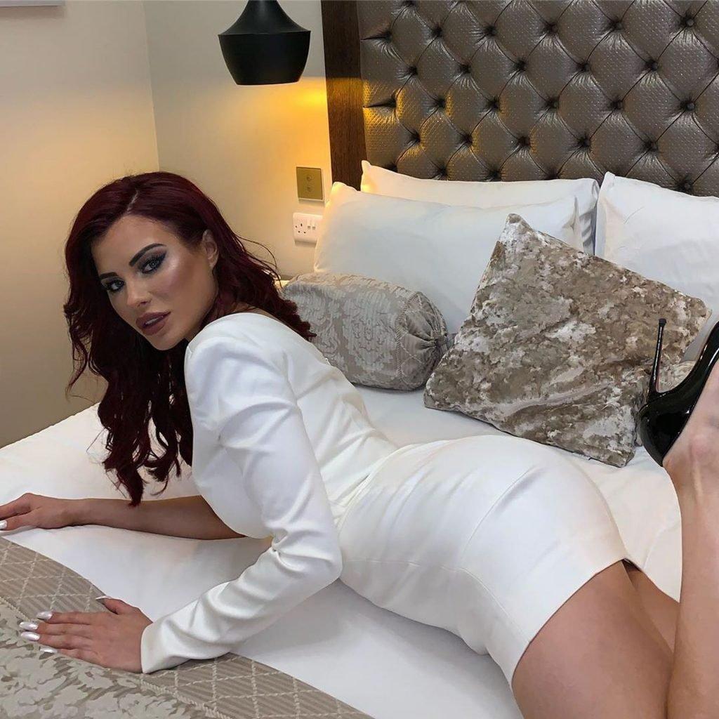 Carla Howe Sexy (37 Photos)