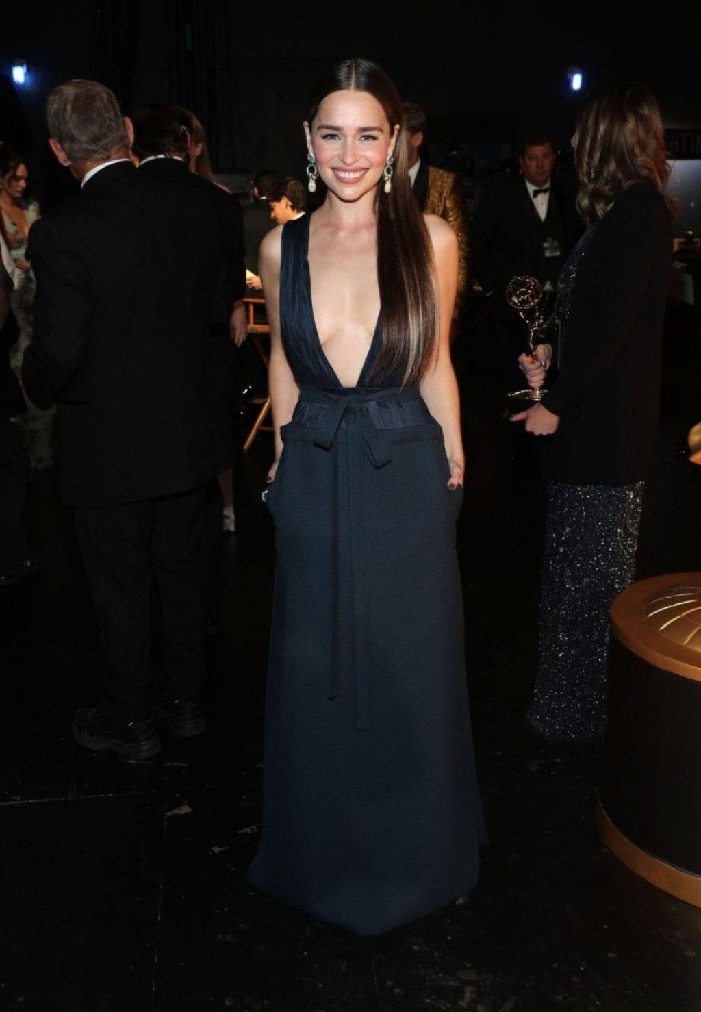 Emilia Clarke Sexy (85 Photos)