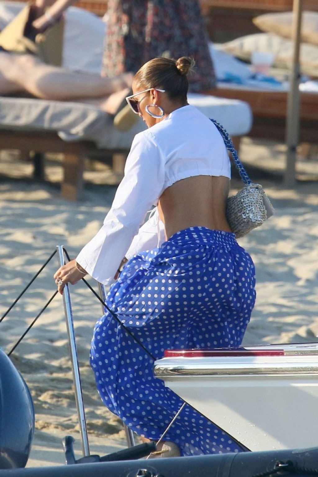 Jennifer Lopez Sexy (46 Photos)