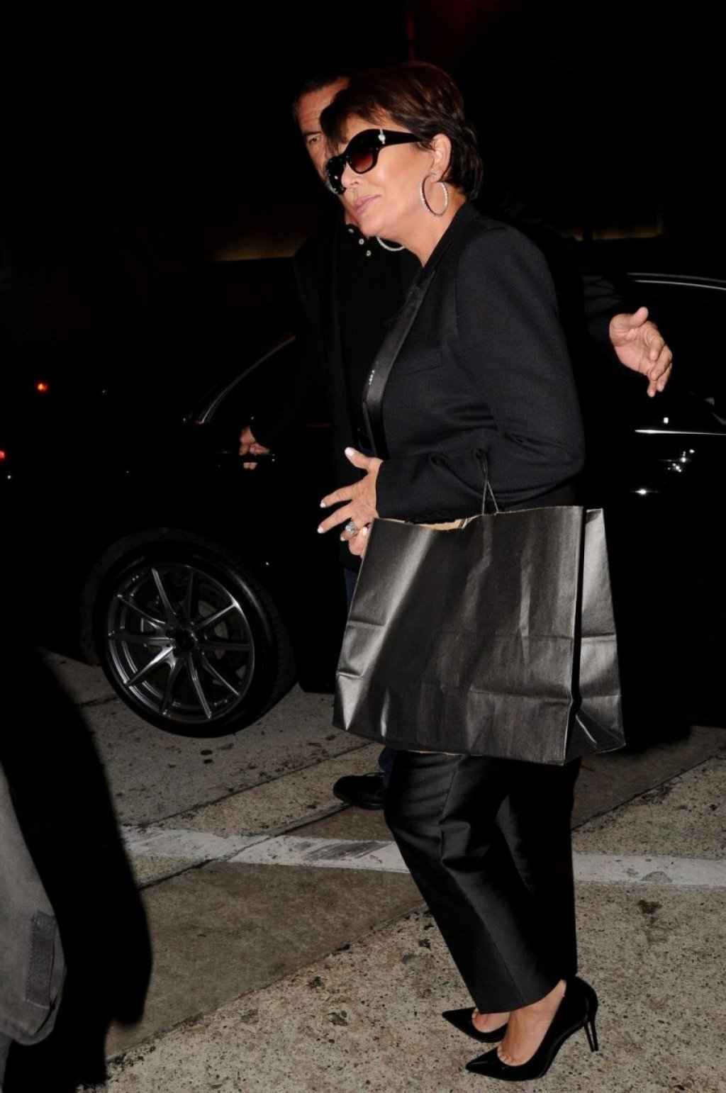 Kris Jenner Hot (28 Photos)