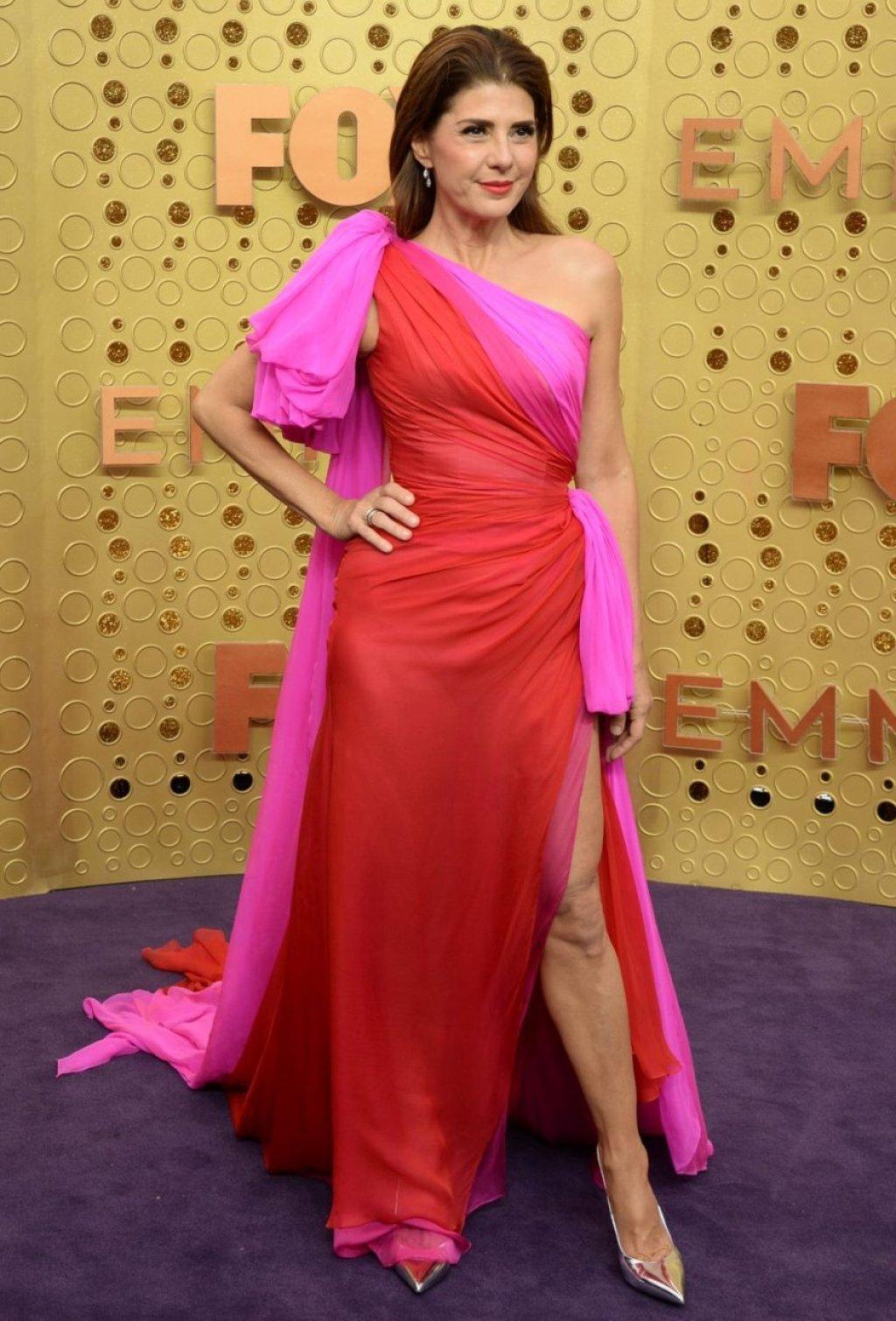 Marisa Tomei Sexy (16 Photos + Video)
