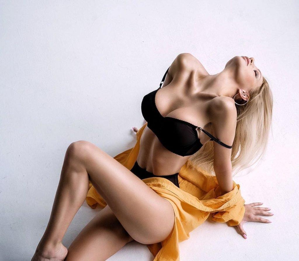 Marta Mayer Nude & Sexy (64 Photos)