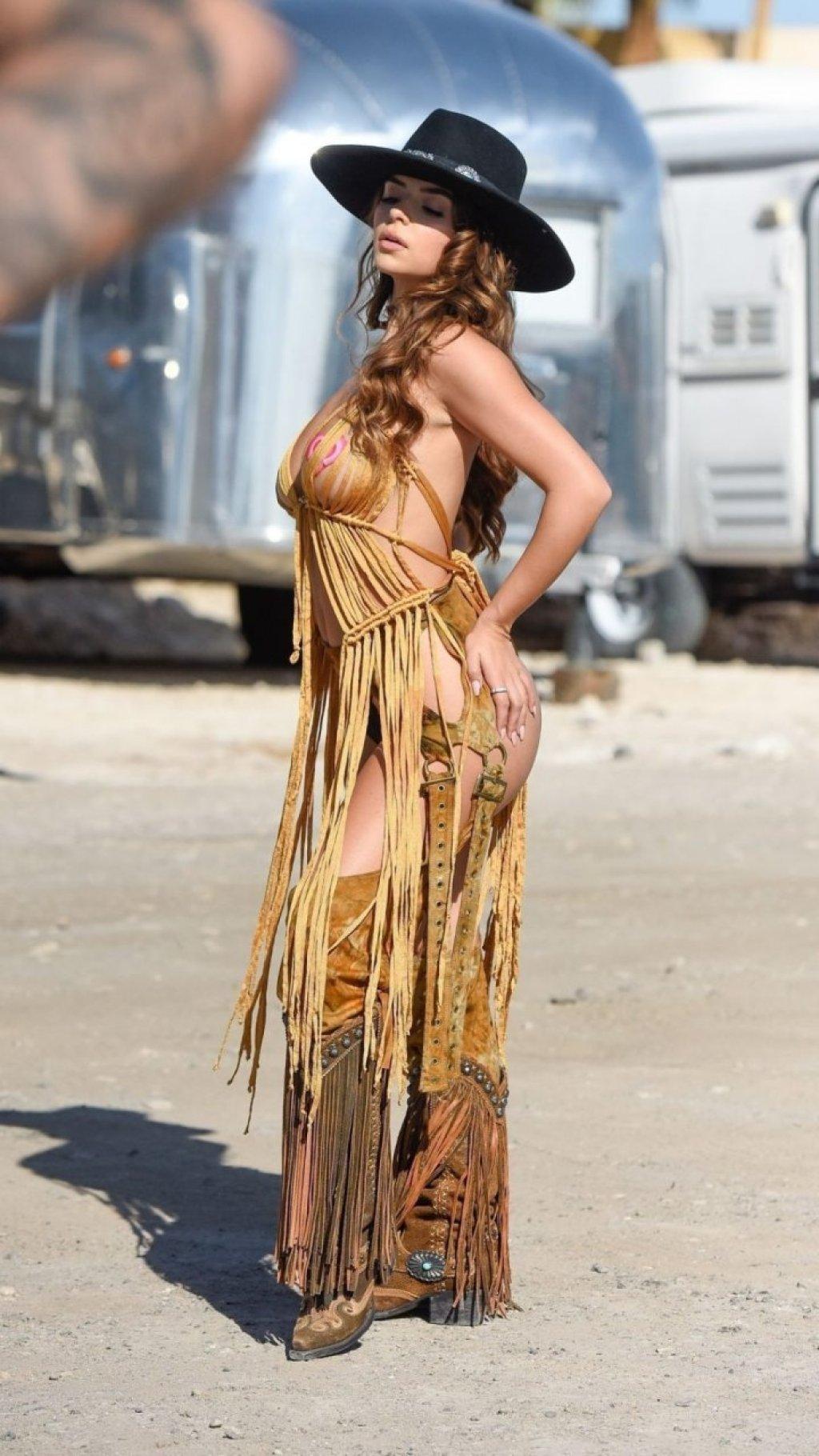 Demi Rose Sexy & Topless (49 Photos)