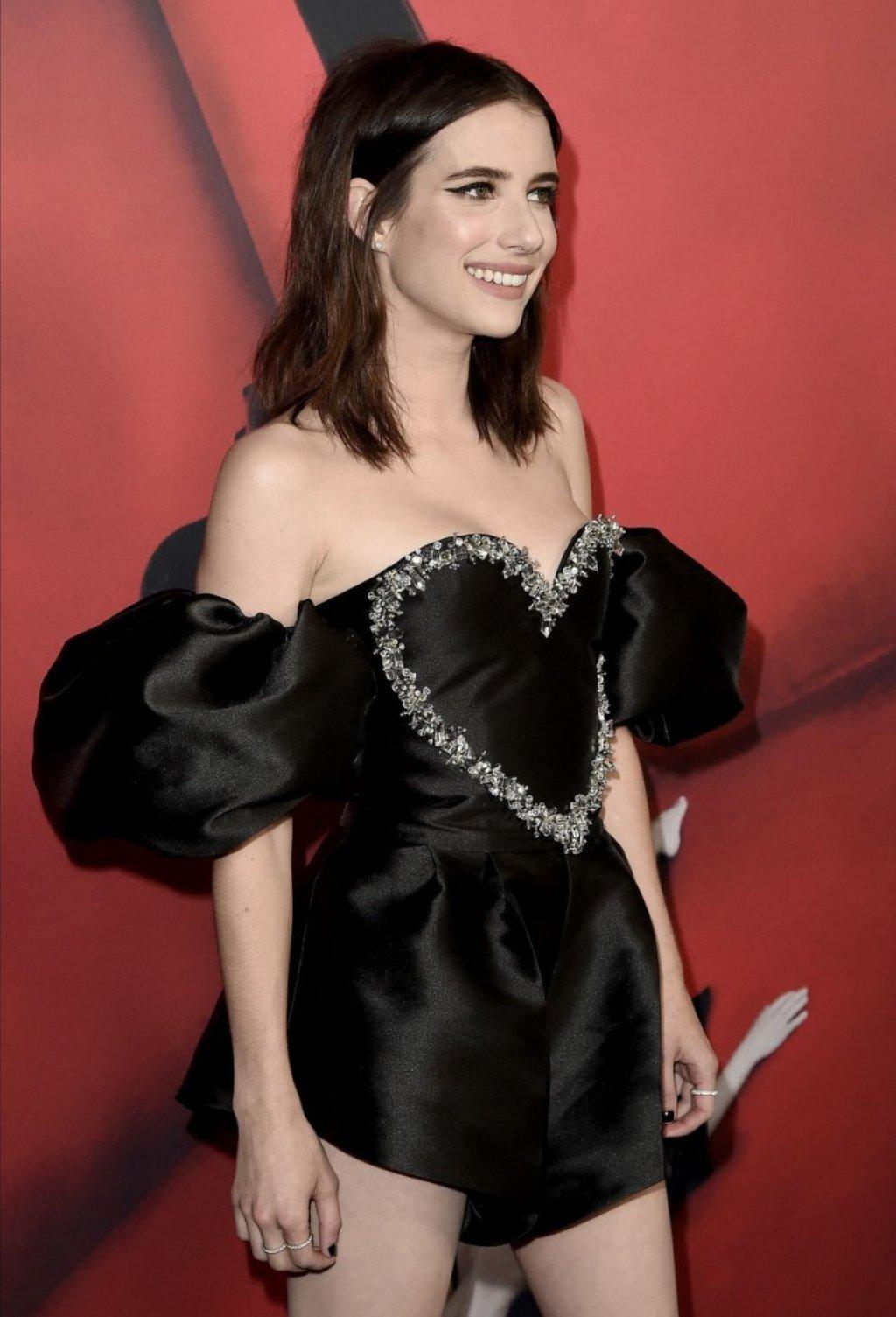 Emma Roberts Sexy (139 Photos)