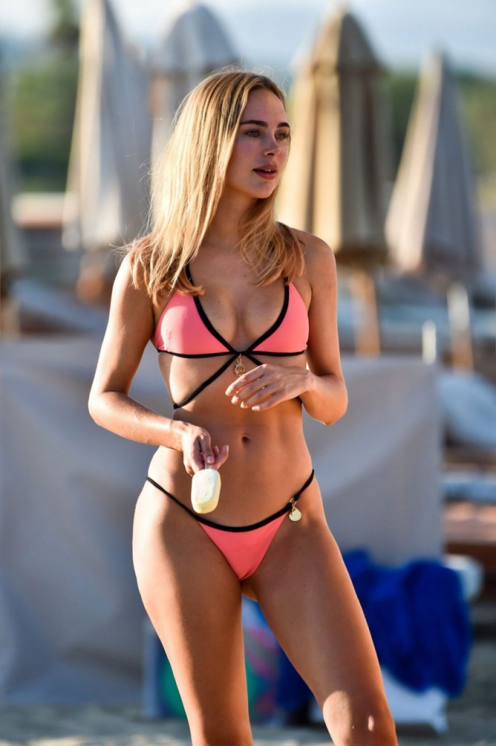 Kimberley Garner Sexy (19 Photos)