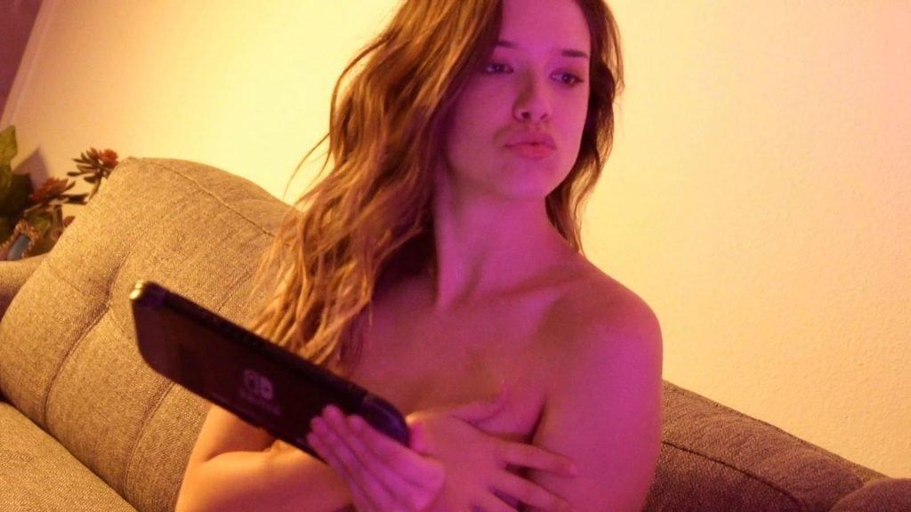 Lauren Summer Nude – GamerGirl (45 Pics + GIF & Video)