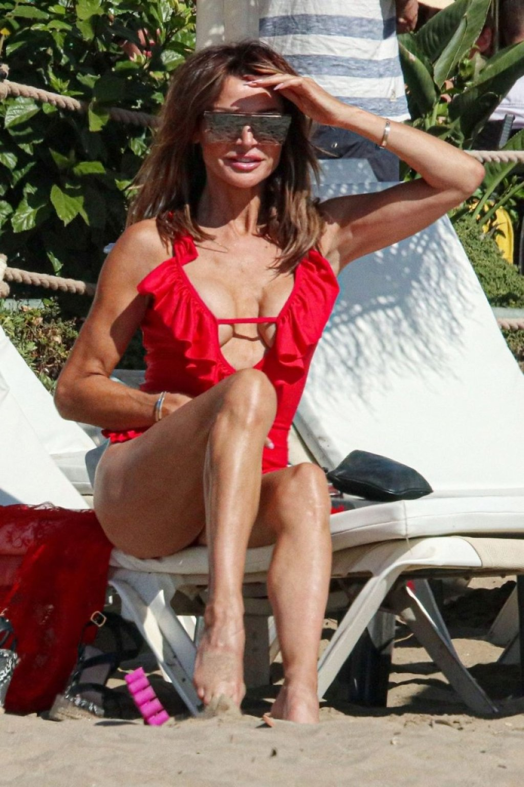Lizzie Cundy Sexy (66 Photos)