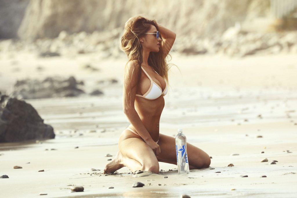 Charlie Riina Sexy (70 Photos)