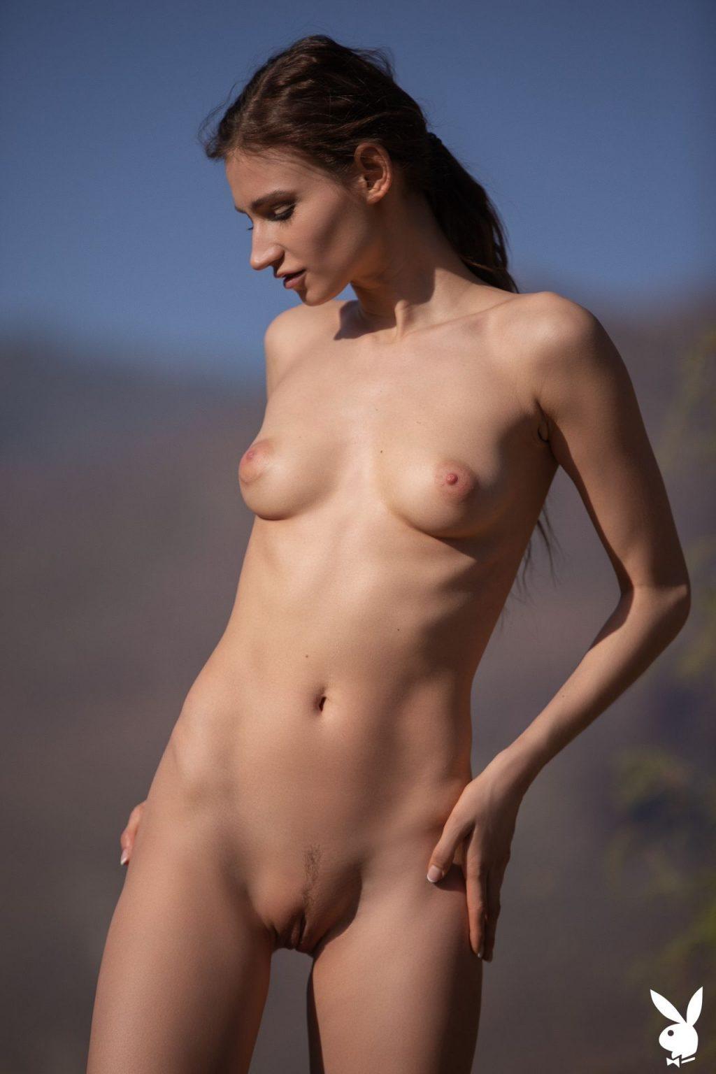 Ilvy Kokomo Nude – Perfect Balance (28 Photos + GIFs & Video)