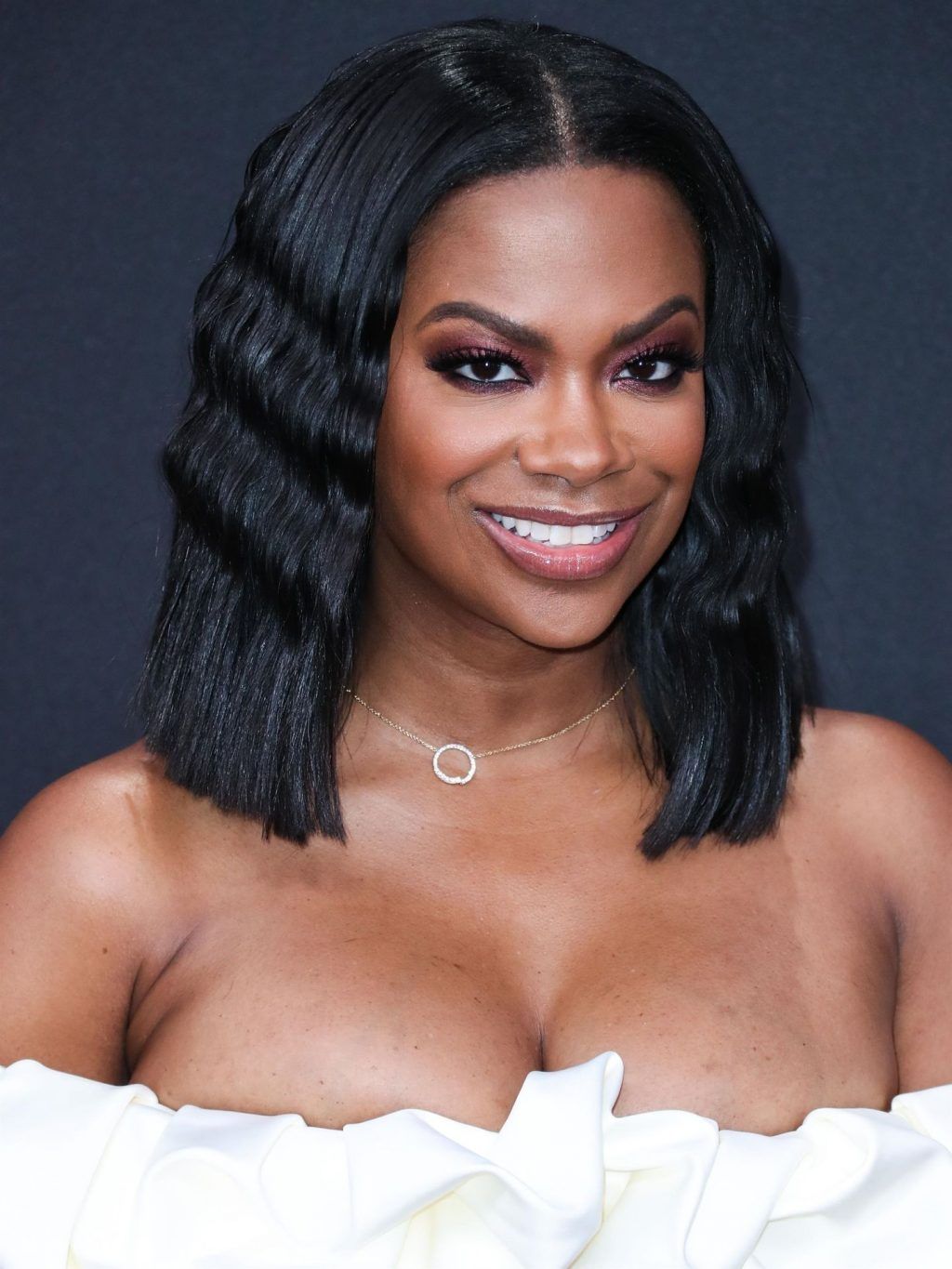 Kandi Burruss Sexy (10 Photos)