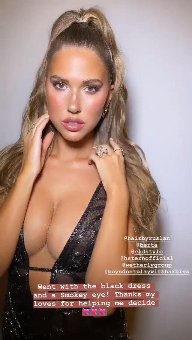 Kara Del Toro Sexy (20 Photos + Video)