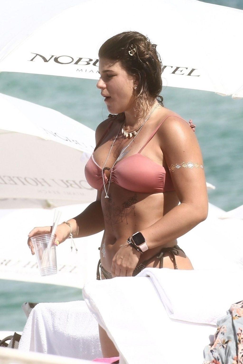 Macarena Velez Montoya Sexy (16 Photos)