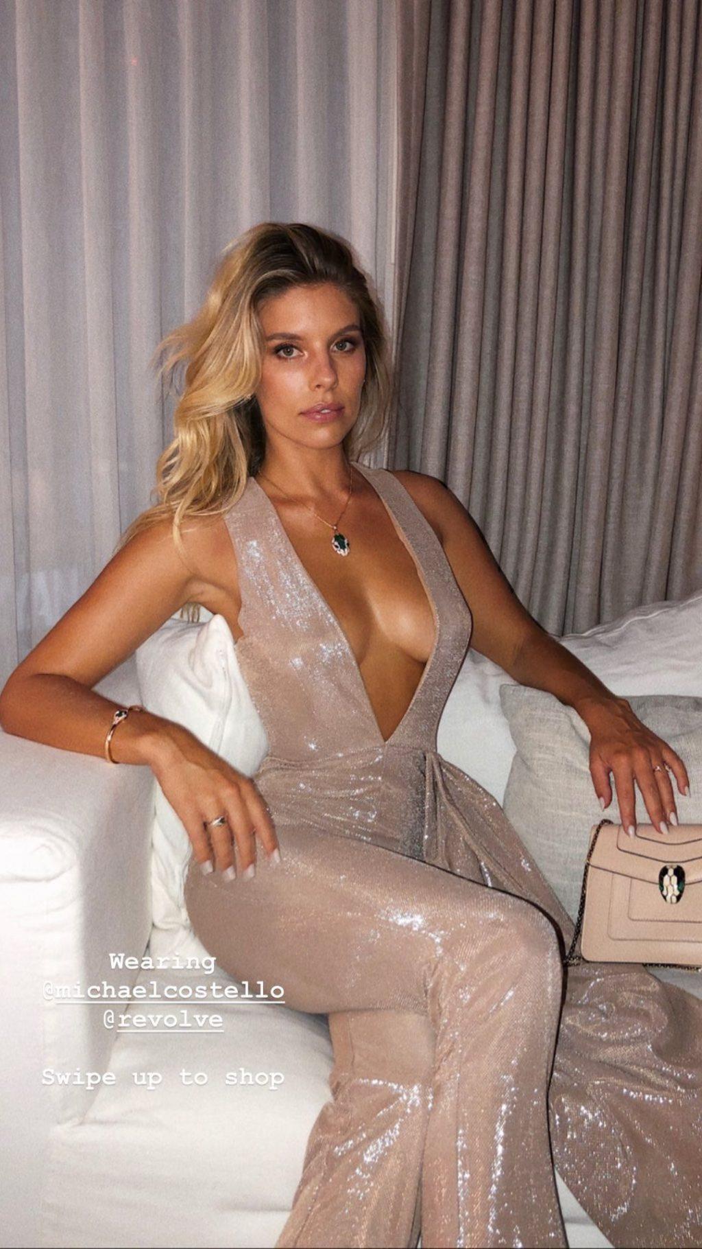 Natasha Oakley Sexy (19 Photos + Video)