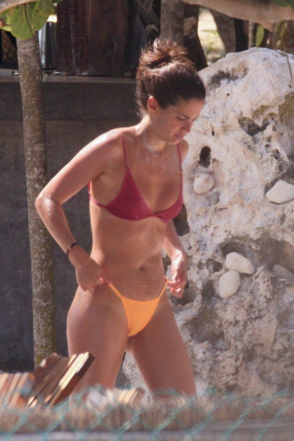 Sara Sampaio Sexy (45 Photos)