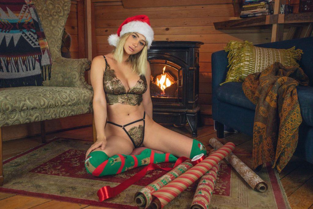 Sara Underwood Nude & Sexy (5 New Photos)
