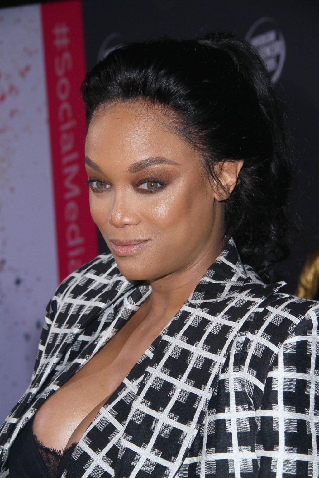 Tyra Banks Sexy (57 Photos)